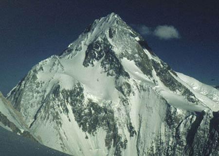 巍峨的加舒尔布鲁木山I峰