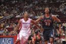 图文:[NBA]火箭VS网 阿尔斯通力拼莫尔