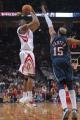 图文:[NBA]火箭VS网 麦迪跳投出手