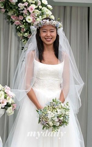 组图:全度妍秘密结婚 只请亲友媒体失望而归