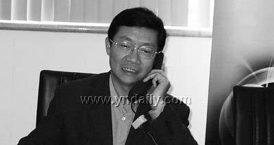 昆明原规划局长曾华牵涉胡星案明日开审(图)