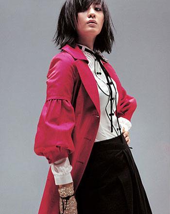 服装:褶皱春装 装点职业装(5款)