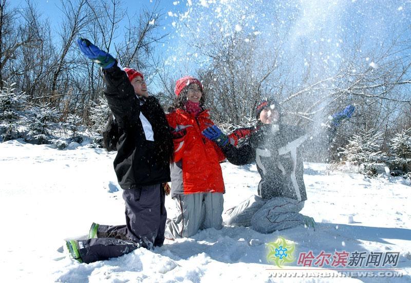 冰雪旅游重现生机(图)图片