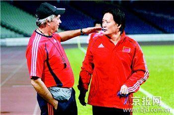 """两份有重复的名单 争夺人才朱广沪""""暗战""""杜伊"""