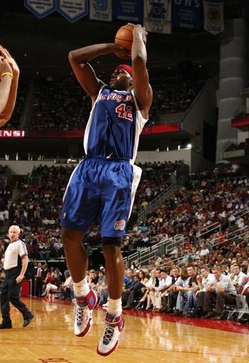 图文:[NBA]火箭胜快船 布兰德后仰跳投