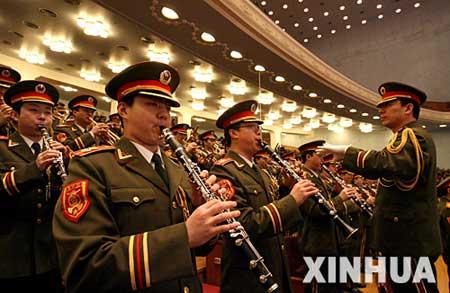 这是军乐团在奏乐。新华社记者 鞠鹏 摄