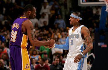 图文:[NBA]湖人负掘金 科比艾弗森握手