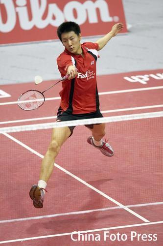 图文:瑞士羽毛球公开赛 陈金步法灵活