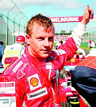 莱科宁和他的法拉利赛车.高清图片