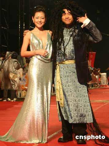 台湾著名主持人小S(左)、蔡康永。 中新社发 董会峰 摄