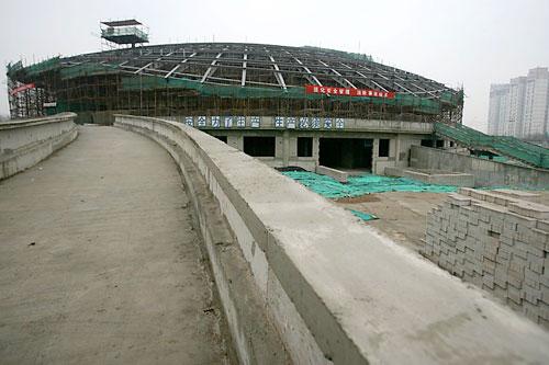 图文:北工大体育馆 体育馆主场馆坡道入口