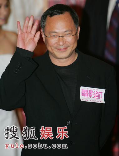 组图:《跟踪》国际电影节首映 邵美琪超美短裙