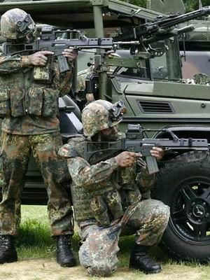装备idz系统的德国国防军士兵