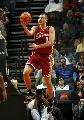 图文:[NBA]山猫胜骑士 帕甫洛维奇单手上篮