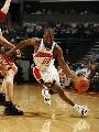 图文:[NBA]山猫胜骑士 法尔顿带球突破