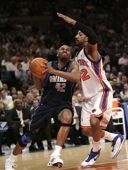 图文:[NBA]小牛胜尼克斯