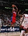 图文:[NBA]快船胜公牛 马盖蒂后仰跳投