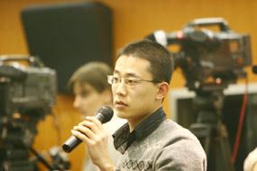 图文:好运北京系列赛发布会 新华社记者提问