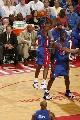 图文:[NBA]火箭胜活塞 墨菲跳投出手