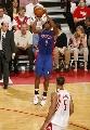 图文:[NBA]火箭胜活塞 比卢普斯三分出手