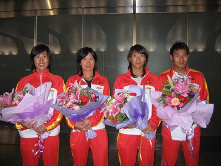 铁人三项国家队(左三为铁三多哈亚运会冠军王虹霓)