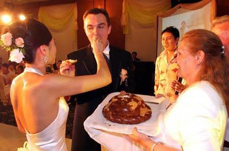 婚礼上甜蜜瞬间