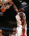 图文:[NBA]76人93-85热火 奥尼尔霸道扣篮