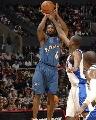 图文:[NBA]快船胜奇才 阿里纳斯跳投无所畏惧