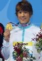 图文:男子400米自由泳 朴泰恒展示金牌