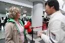 图文:[女足]多曼斯基抵达北京 接受采访