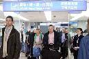 图文:[女足]多曼斯基抵达北京 走出出口