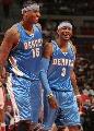 图文:[NBA]活塞胜掘金 答案与甜瓜谈笑风生
