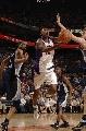 图文:[NBA]太阳胜灰熊 巴博萨飞身上篮
