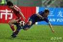 图文:[热身赛]中国3-1乌兹别克 孙继海人仰马翻