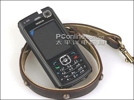 诺基亚手机N70全黑版正面