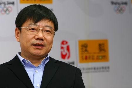 图文:青岛啤酒副总裁做客 张学举回答网友问题