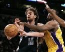 图文:[NBA]湖人负灰熊  加索尔遭玩命铁手