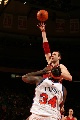 图文:[NBA]骑士VS尼克斯 大Z对抗小鲨鱼