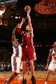 图文:[NBA]骑士VS尼克斯 大Z左手再攻
