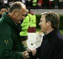 图文:塞尔维亚1-1葡萄牙 两大主帅握手