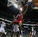 图文:[NBA]火箭VS快船  麦迪飞身上篮