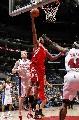 图文:[NBA]火箭VS快船  麦迪不惧前后夹击