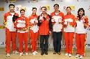 图文:王磊和女子重剑队做客搜狐 集体合影