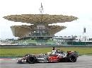 图文:[F1]马来西亚雪邦试车 天空阴沉沉