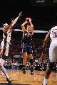 图文:[NBA]步行者负篮网  邓利维跳投