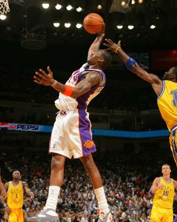 NBA组图:太阳客场惨遭勇士屠戮 纳什黯然神伤