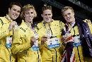 图文:男子4*200自接力 澳大利亚队员分享喜悦