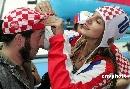 图文:克罗地亚淘汰塞尔维亚晋级决赛 球迷庆祝