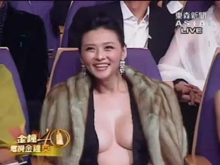 组图:盘点不穿胸罩的女明星 真空上阵斗性感