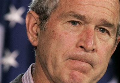 """美国总统布什当地时间3月31日在戴维营表示,伊朗扣押15名英国士兵的行为是""""不可宽恕的"""",并呼吁伊朗立即无条件将他们全部释放。"""